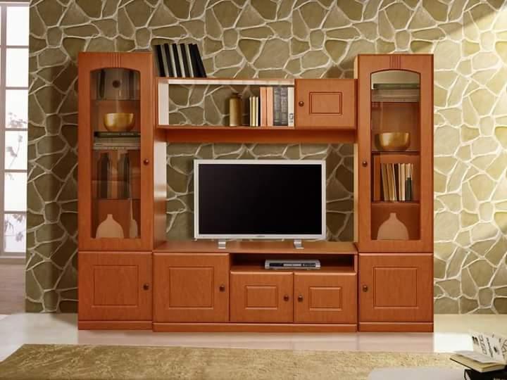 Klasik Rak TV Kayu Warna Coklat