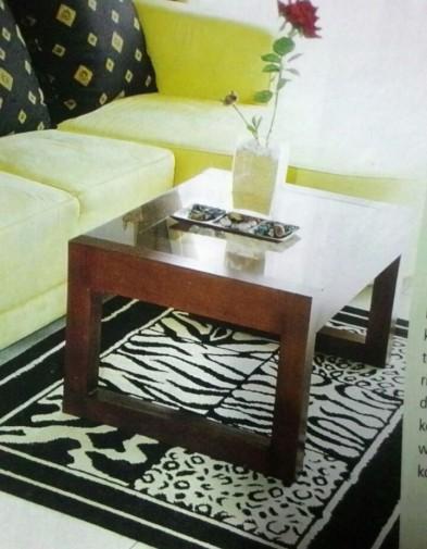 Meja Modern Minimalis Kayu dengan Kaca